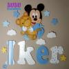 nombre y Mickey en madera