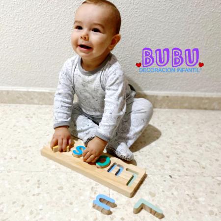 puzzle con nombre en madera natural